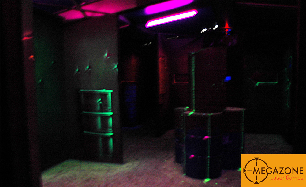 le labyrinthe megazone laser games. Black Bedroom Furniture Sets. Home Design Ideas